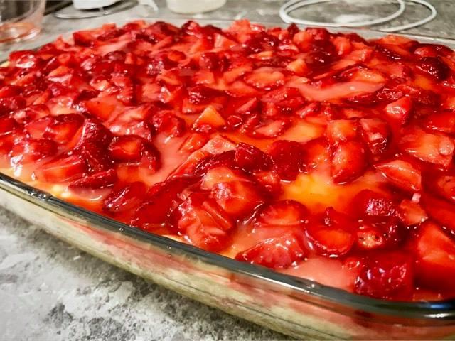 Fantastični kolač od jagoda! Fantastic strawberry shortcake!Fantastischer Erdbeerkuchen!