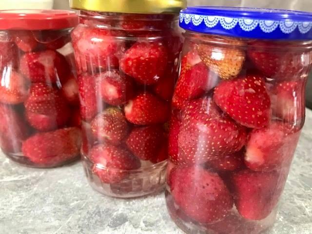 Kompot od jagoda, Strawberry compote, Erdbeerkompott